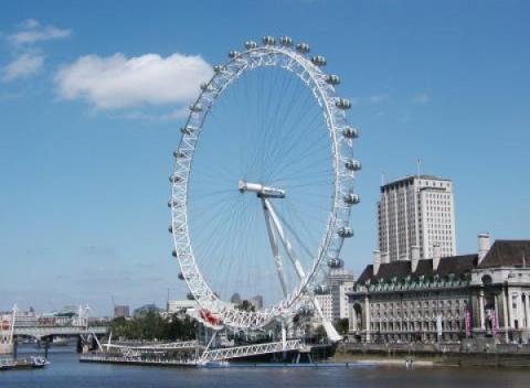 London Eye vanaf de overkant van de Theems